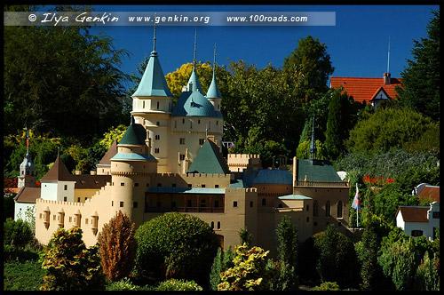 Замок Бойнице, Chateau of Bojnice, Словакия, Slovakia, Зеленый сад Кокингтон, Cockington Green Gardens, Канберра, Canberra, Австралийская столичная территория, ACT, Австралия, Australia