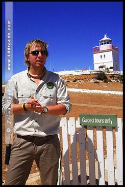 Гид, Guide, Маяк Мыс Борда, Cape Borda Lighthouse, Остров Кенгуру, Kangaroo Island, Южная Australia, South Australia, Австралия, Australia