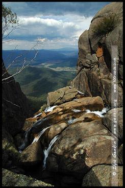 Водопад Кристал Брук, Crystal Brook Falls, Национальный парк Горы Баффало, Mt Buffalo NP, Виктория, Victoria, Австралия, Australia