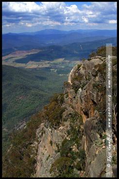 Вид с обзорной площадки Bents Lookout, Национальный парк Горы Баффало, Mt Buffalo NP, Виктория, Victoria, Австралия, Australia