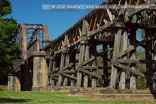 Старый деревянный мост железнодорожных путей, Гундагай, Gundagai, Австралия, Australia
