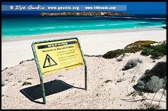 Предупреждающий знак на Almonta Beach, Коффин-Бей, Coffin Bay, Полуостров Айри, Eyre Peninsula, Южная Australia, South Australia, Австралия, Australia
