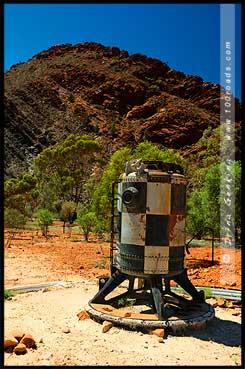 Повозка в музее под открытым небом в Аркаруле, Аркарула, Arkaroola, Северная цепь гор Флиндерс, Northern Flinders Ranges, Аутбек, Аутбэк, Outback, Южная Australia, South Australia, Австралия, Australia