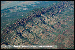 Полет над Вилпена Поунд, Fly over Wilpena Pound, Северная цепь гор Флиндерс, Northern Flinders Ranges, Аутбек, Аутбэк, Outback, Южная Australia, South Australia, Австралия, Australia