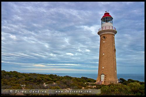 Маяк мыса Дю Куэдик, Capе du Couedic Lighthouse, Остров Кенгуру, Kangaroo Island, Южная Австралия, South Australia, Австралия, Australia