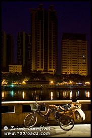 Бомж на набережной Жемчужной реки (Pearl River), Гуанджоу, Guangzhou 广州市, Китай, China, 中國, 中国