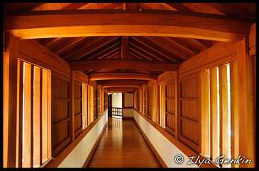 Фрагмент коридора дворца Тюсё-Мару (Chusho-maru), Hyakken-roka, Замок Химедзи, Corridor at Himeji Castle, Hyogo Prefecture, Kansai region, Honshu Island, Japan