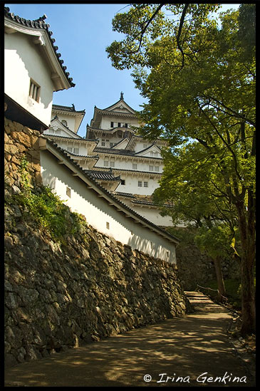 Одна из дорожек к Замоку Химедзи, Himeji Castle, 姫路城, Hyogo Prefecture, Kansai region, Honshu Island, Japan