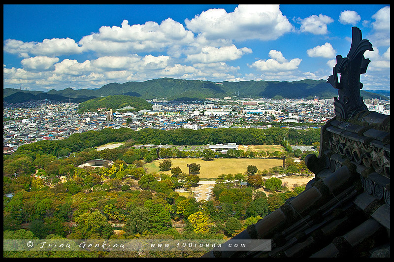Вид на город и горы из Главной башни Замка Химедзи, Himeji, 姫路城, Hyogo Prefecture, Kansai region, Honshu Island, Japan