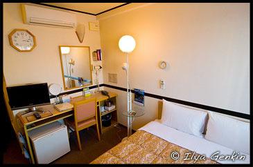 Номер в Отеле Toyko Inn, Токио, Tokyo, Остров Хонсю, Honshu Island, Япония, Japan