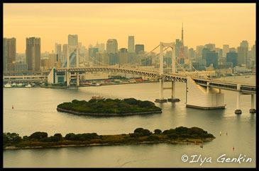 Радужный Мост (Rainbow Bridge) с видом на Токио, вид со здания студии телевидения