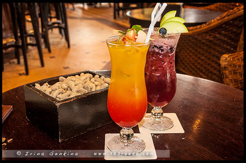 Лонг Бар, Long bar, Отель Раффлз, Raffles Hotel, Сингапур, Singapore