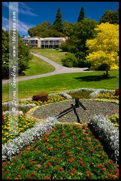 Часы в Королевском Ботаническом саду, Хобарт, Hobart, Тасмания, Tasmania, Австралия, Australia