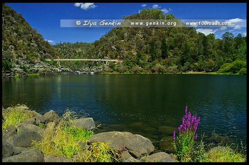 Подвесной Мост Александра, Alexandra Suspension Bridge, Катаракт Годж - Порожистое ущелье, Cataract Gorge, Лонсестон, Launceston, Тасмания, Tasmania, Австралия, Australia