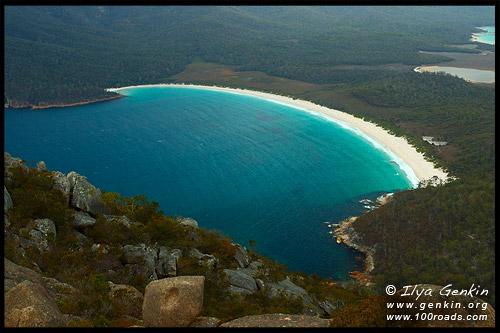 Залив Бокала, Залив Вайнгласс, Wineglass Bay, Полуостров Фрейсине, Freycinet Peninsula, Тасмания, Tasmania, Австралия, Australia